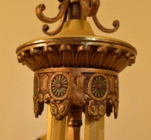 Fuchsia chandelier, center cap closeup