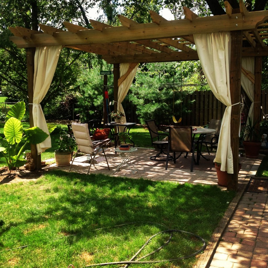 Creating Your Own Outdoor Paradise - Building A Pergola To Enjoy The Outdoors