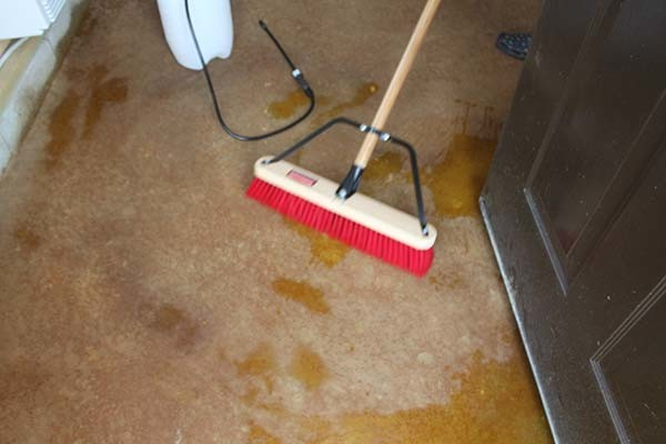 brushing-acid-stain