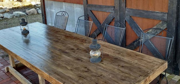 A Classic DIY Farm Table – Made Entirely From 2 x 4's!