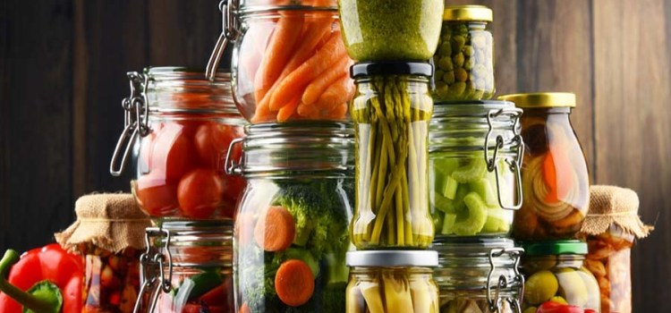 Storing Food – How To Preserve The Garden By Canning, Freezing And Drying