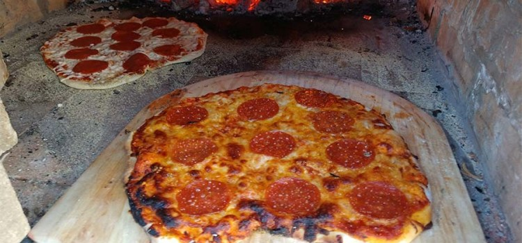 Homemade Wood Fired Pizza Night – A Pizza Experience Like No Other!