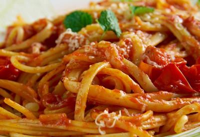 homemade garlic pasta sauce