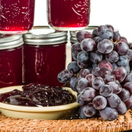 Homemade Grape Jelly Recipe – Made With Fresh Grapes or Juice