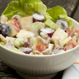 Waldorf Salad Recipe – A Light and Crispy Salad or Side Dish