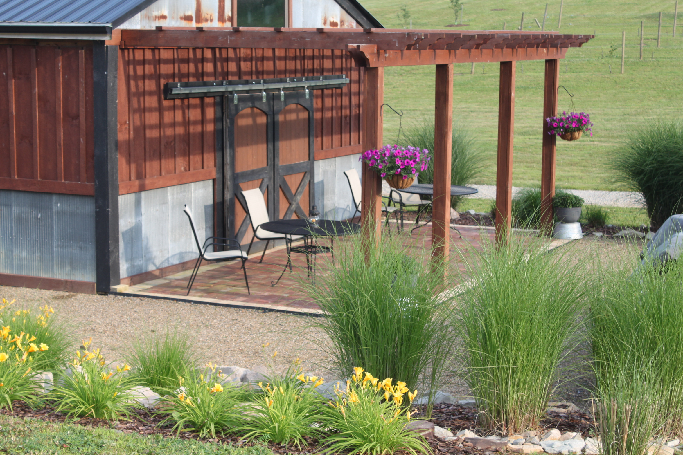 How to create beautiful landscaping without spending a lot - Craigslist little rock farm and garden ...