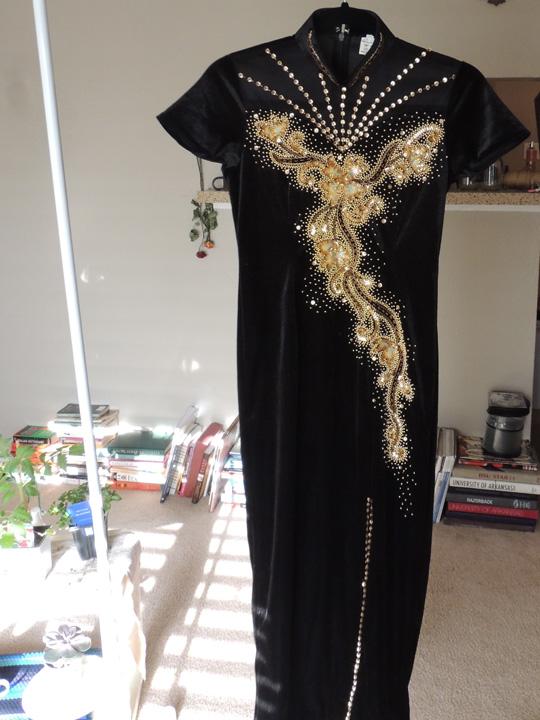 asian-dress-thrift-store