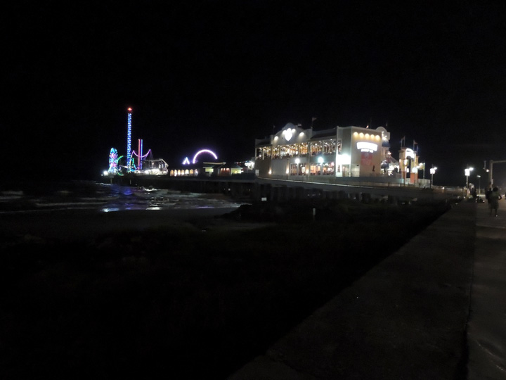 Pleasure Pier Galveston TX night - What to do, see, eat and explore while in Galveston, TX   oldworldnew.us