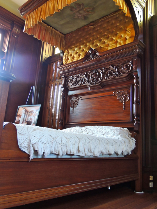 bishop palace vintage bedding glaveston tx