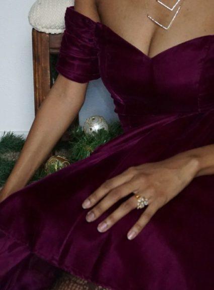 Thrifted Christmas Attire – Vintage Velvet Dress