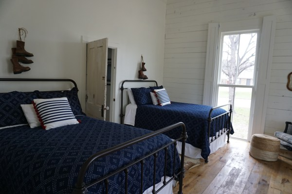The Morrow House - Waco, TX - airbnb - Bed & Breakfast - Addie, Old World New