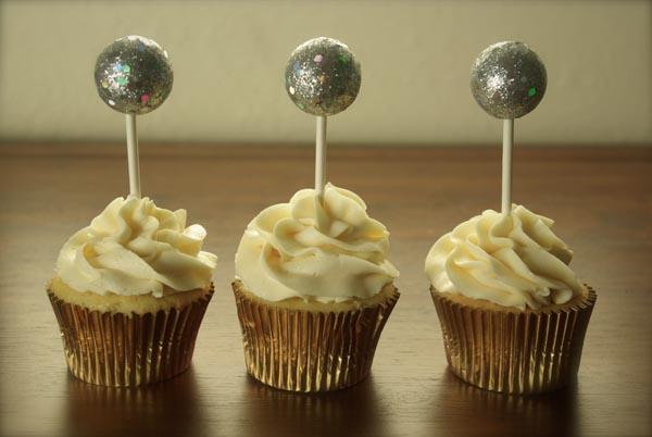 Champaign Cake With Sour Cream Recipes