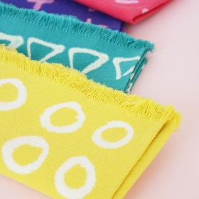 DIY Bleach Pen Patterned Napkins