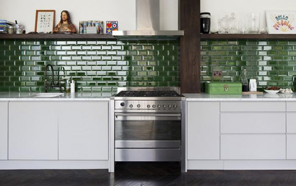 Superbe Forest Green Tile With Open Shelves
