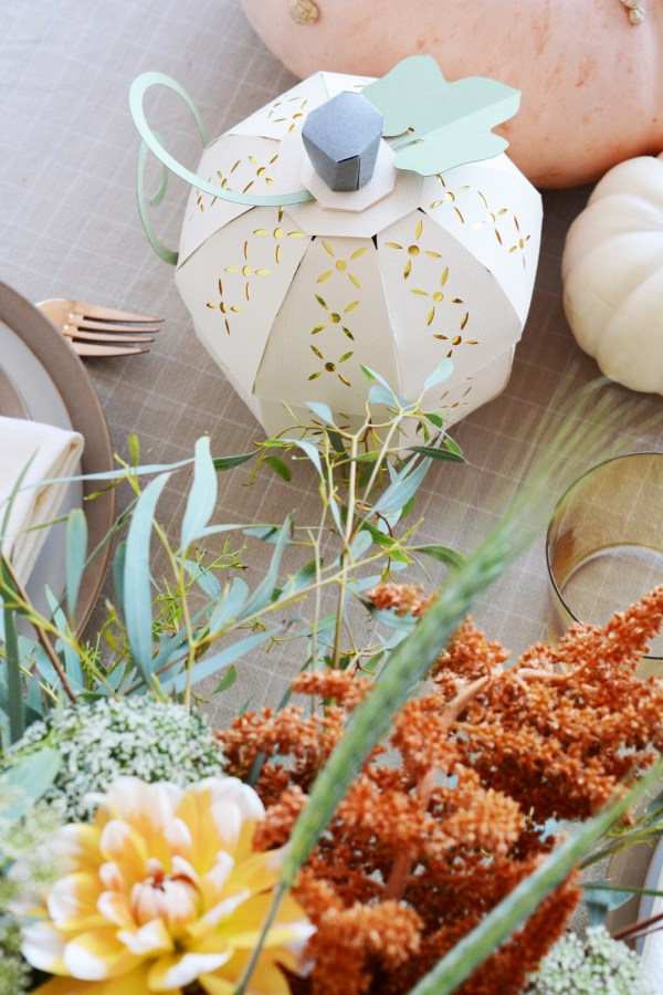 DIY Thanksgiving Decorations made with card stock and Cricut.