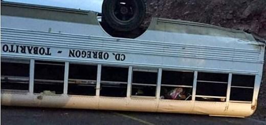 Camión que trasladaba a Jóvenes misioneros vuelca en tramo Mazatlán-Sahuaripa