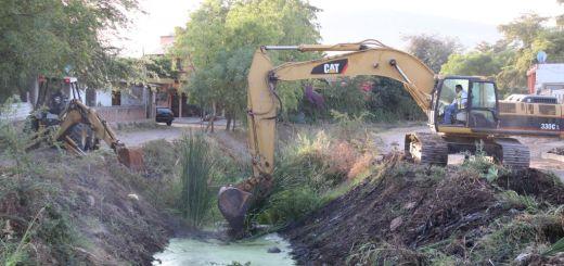 Inicia Alcalde los trabajos de limpieza y desazolve de arroyos en el municipio