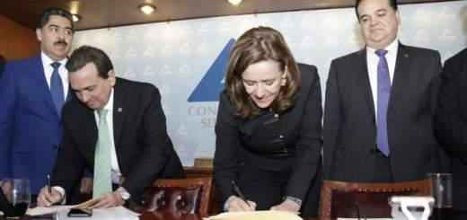 Margarita Zavala se compromete a privilegiar el crecimiento sobre la recaudación