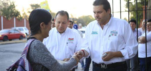 Mario Zamora convive con estudiantes