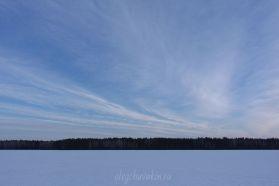 Небо перед закатом, март, снежное поле