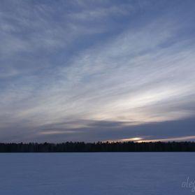 Закат над полем, март, красивая фотография