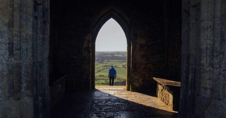 Человек, церковь, свет, выход, фото, иллюстрация