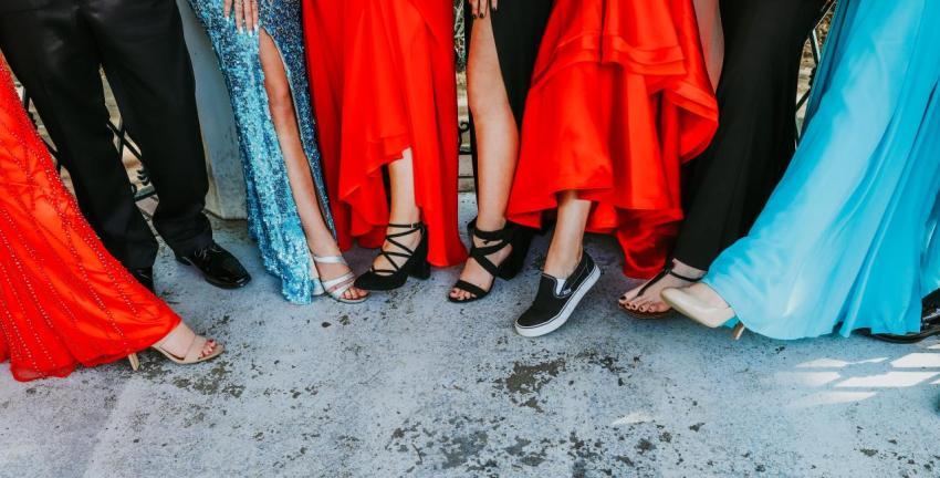 Встреча выпускников, платья, туфли