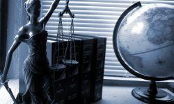 Леди Справедливость, статуэтка, глобус, кабинет, картотека