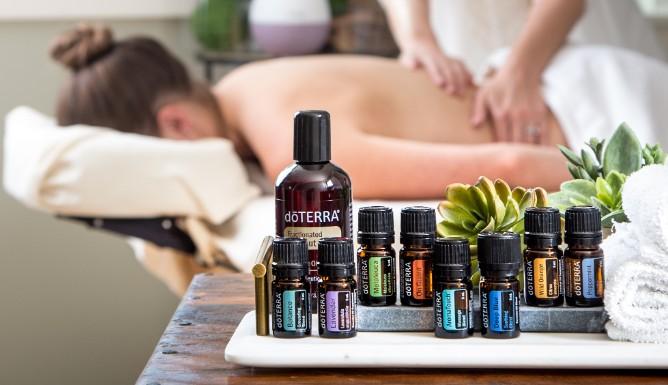 Aromatoch masáž s esenciálnymi olejmi
