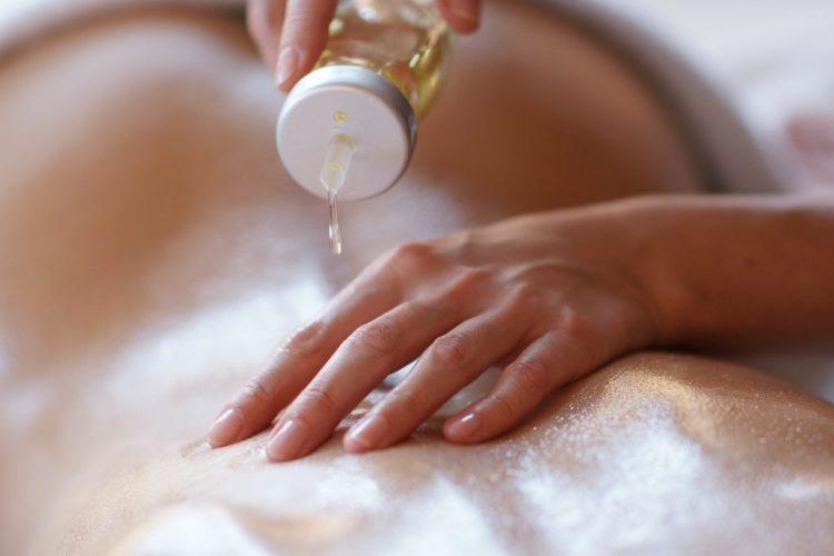 Dajte si urobiť aromatouch masáž
