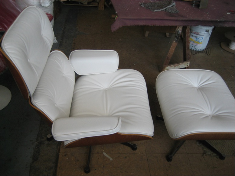 Wood And Upholstered Sofas Or Chairs Traditional Or