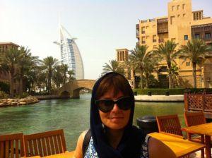 Burj Al Arab al fondo