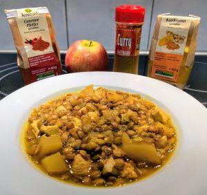 Lentejas al curry con pollo y manzana y sus ingredientes