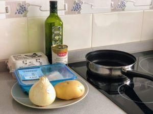 Ingredientes básicos para el bacalao dorado