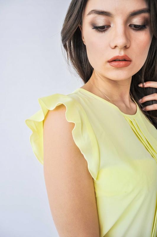 Желтая легкая блуза