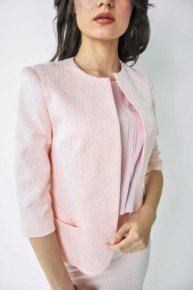 Розовый пиджак жаккард