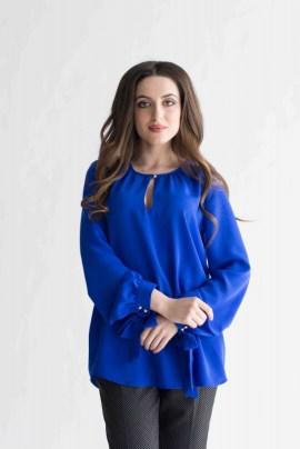 Синяя блуза с бантами
