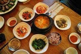 Seafood soup with hot paper paste