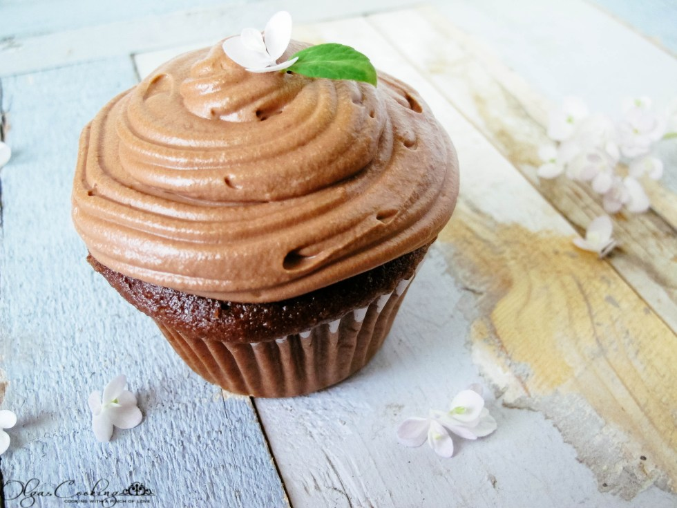 Banana Cream Nutella Cupcakes