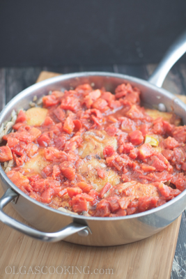Chicken Thighs in Tomato Mushroom Sauce-13