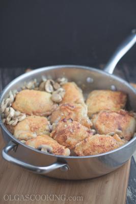 Chicken Thighs in Tomato Mushroom Sauce-14