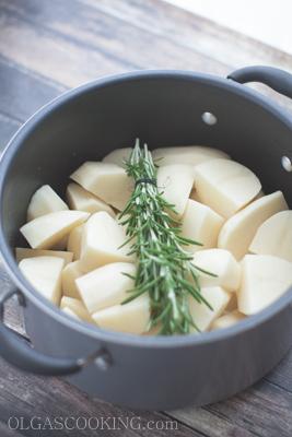 roasted garlic mashed potatoes-1-2