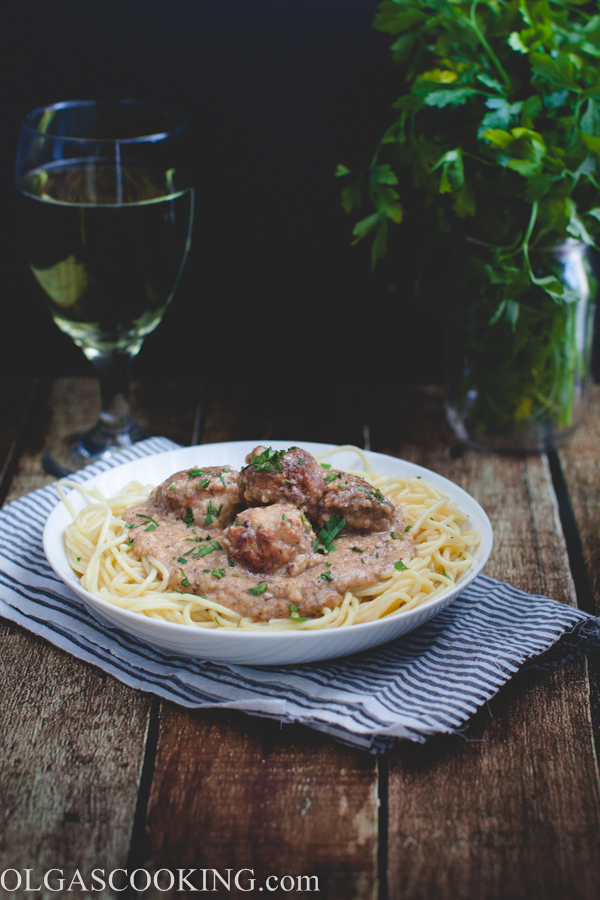 Meatballs in Almond Sauce-1-4