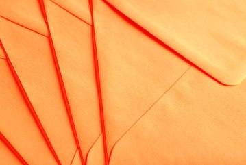 close-up-envelopes-paper-190295