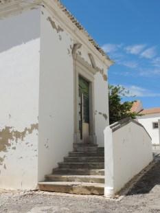 A few steps away from Largo de Santa Ana
