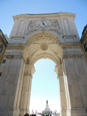 Look up - Arco da Rua Augusta
