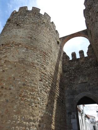 Impressive entrance into Serpa