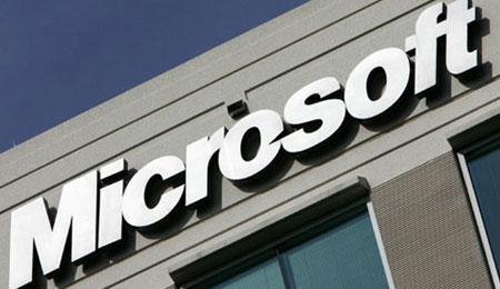 Estudante de jornalismo que trocou emails com Steve Jobs é levada para cobrir evento da Microsoft