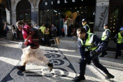 portugal-labour-strike-police