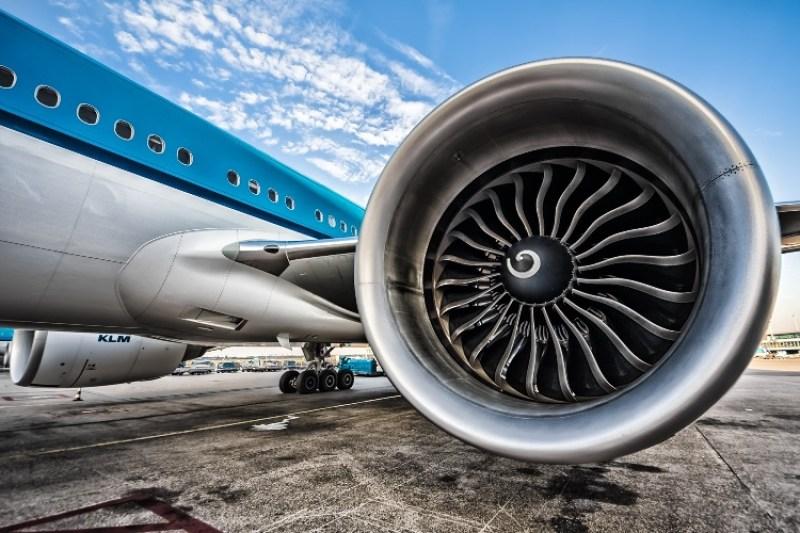 Espiral no motor do avião serve de alerta; entenda
